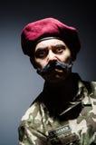 Soldado divertido en militares Fotografía de archivo