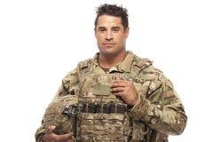 Soldado do exército contra o fundo branco Foto de Stock