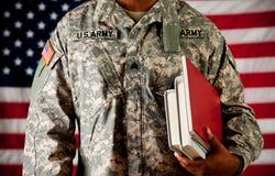 Soldado: El volver a la escuela Imagen de archivo libre de regalías