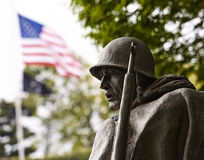 Soldado en el monumento coreano Foto de archivo libre de regalías