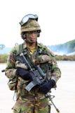 Soldado holandés con la ametralladora Imágenes de archivo libres de regalías