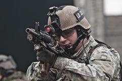 Soldado joven en patrulla Foto de archivo libre de regalías