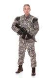 Soldado maduro Holding Rifle imagem de stock