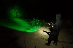 Soldado mercenario con el arma Foto de archivo libre de regalías