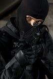 Soldado que apunta con la mañana - arma 4 fotografía de archivo libre de regalías