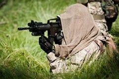 Soldado rebelde que defiende su tierra Foto de archivo libre de regalías
