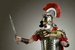 Soldado romano com espada Fotos de Stock