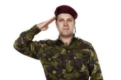 Soldado Saluting del ejército Imagenes de archivo