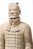 Soldado Standing Statue Historical do exército da terracota isolado para trás Imagem de Stock Royalty Free