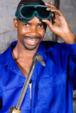 Soldador africano feliz Imagens de Stock