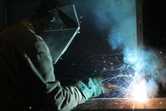 Soldador no trabalhador da construção do trabalho Imagem de Stock
