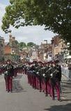 Soldados británicos que marchan en Winchester Inglaterra Reino Unido Imagenes de archivo