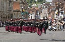 Soldados británicos que marchan en Winchester Inglaterra Reino Unido Fotos de archivo