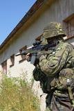 Soldados con los armas Foto de archivo libre de regalías