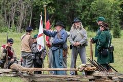 Soldados confederados que se preparan para la acción Imagenes de archivo