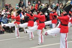 Soldados de estanho que marcham por? Foto de Stock Royalty Free