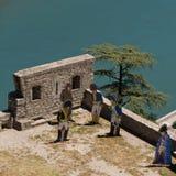Soldados de madera en las paredes de la fortaleza Sisteron en Francia Imagen de archivo