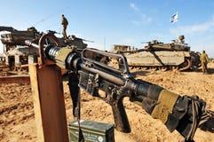 Soldados del ejército israelí que descansan durante alto el fuego Foto de archivo