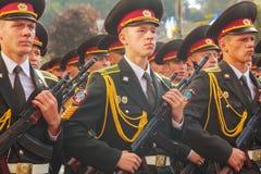 Soldados do exército ucraniano em Kyiv, Ucrânia Imagem de Stock Royalty Free