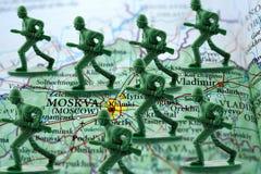 Soldados do russo que preparam-se para atacar Ucrânia Fotos de Stock