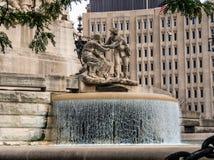 Soldados e monumento dos marinheiros em Indianapolis fotografia de stock