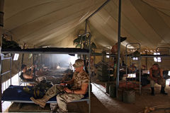 Soldados en cuarteles Foto de archivo libre de regalías