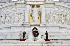 Soldados en el della Patria de Altare roma Fotografía de archivo libre de regalías