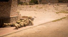 Soldados en la acción en la zona II del conflicto foto de archivo libre de regalías