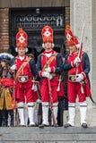 Soldados medievais atuais na igreja Fotografia de Stock