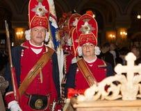 Soldados medievais atuais na igreja Foto de Stock
