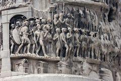 Soldados na coluna de Marcus Aurelius imagem de stock