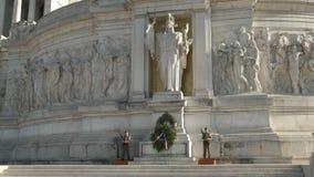Soldados no dever no monumento de Emmanuel ii do vencedor, Roma vídeos de arquivo