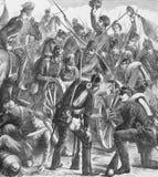 Soldados que examinam o primeiro Mitrailleuse capturado Fotografia de Stock Royalty Free
