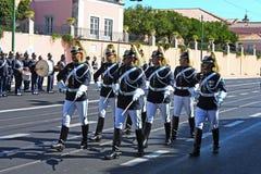 Soldados que mudam o protetor Fotografia de Stock Royalty Free