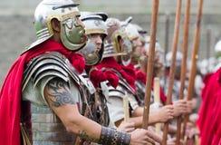 Soldados romanos en armadura Fotos de archivo libres de regalías