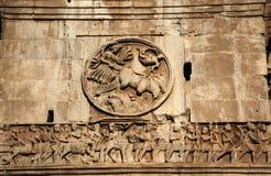 Soldados romanos Roma del arco de Constantina de los detalles Imagen de archivo