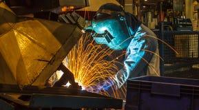 Soldadura do movimento de Industrial do soldador Imagens de Stock