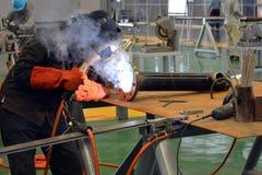 Soldadura eléctrica en el taller Imagen de archivo libre de regalías