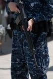 Soldat avec le canon M16 Images stock