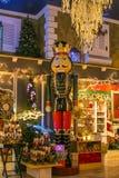 Soldat de jouet de casse-noix de Noël dans la boutique de Noël Photos libres de droits