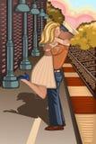Soldat, der ein Mädchen in der Bahnstation küsst Lizenzfreies Stockfoto