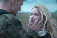 Soldat disant au revoir Photos stock