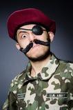 Soldat drôle dans les militaires Photo stock