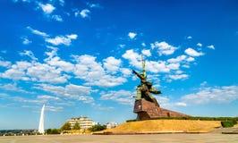 Soldat et marin, un mémorial soviétique aux défenseurs de Sébastopol dans la deuxième guerre mondiale crimea image stock