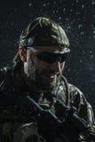 Soldat för USA-armé i regnet Royaltyfri Foto
