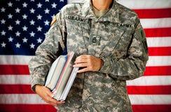 Soldat: Gå tillbaka till skolan Royaltyfria Bilder