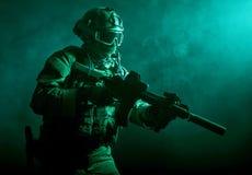 Soldat i röken Fotografering för Bildbyråer