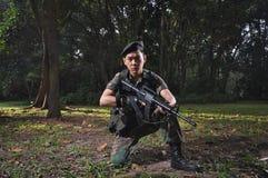 Soldat intelligent défendant le pays Photo libre de droits