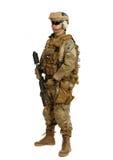 Soldat med geväret på en vit bakgrund Royaltyfri Fotografi
