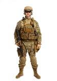 Soldat med geväret på en vit bakgrund Royaltyfri Bild